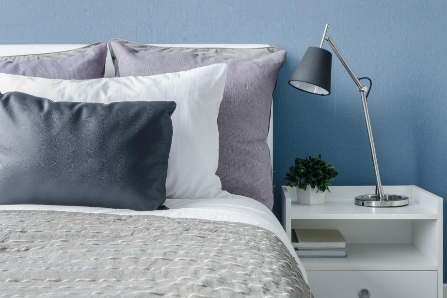 Το απαλό μπλε είναι ένα υπέροχο χρώμα για δωμάτιο. Όσο πιο ανοιχτόχρωμο είναι τόσο πιο μεγάλος θα φαίνεται ο χώρος σας.