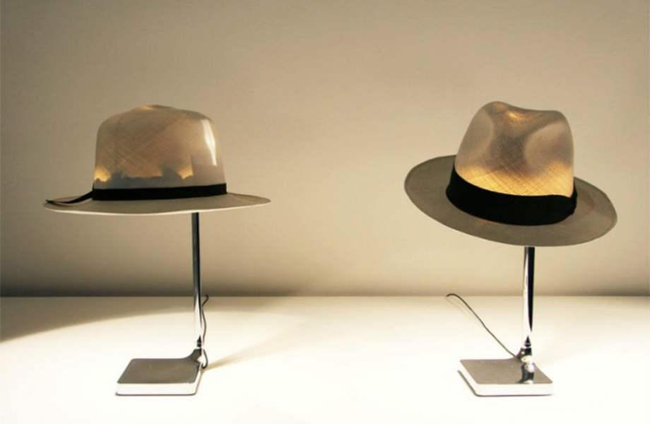 """Σύμφωνα με τον σχεδιαστή του Chapo, το να """"πετάει"""" κανείς το καπέλο του στον καλόγερο είναι μια σαγηνευτική, αντρική κίνηση."""