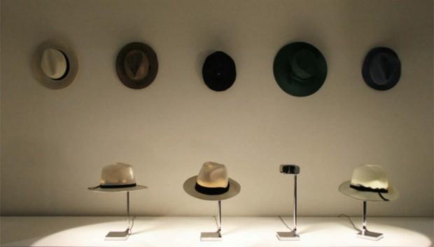 Phillipe Starck: Θαυμάστε το Νέο Φωτιστικό του που σας… Βάζει το Καπέλο!