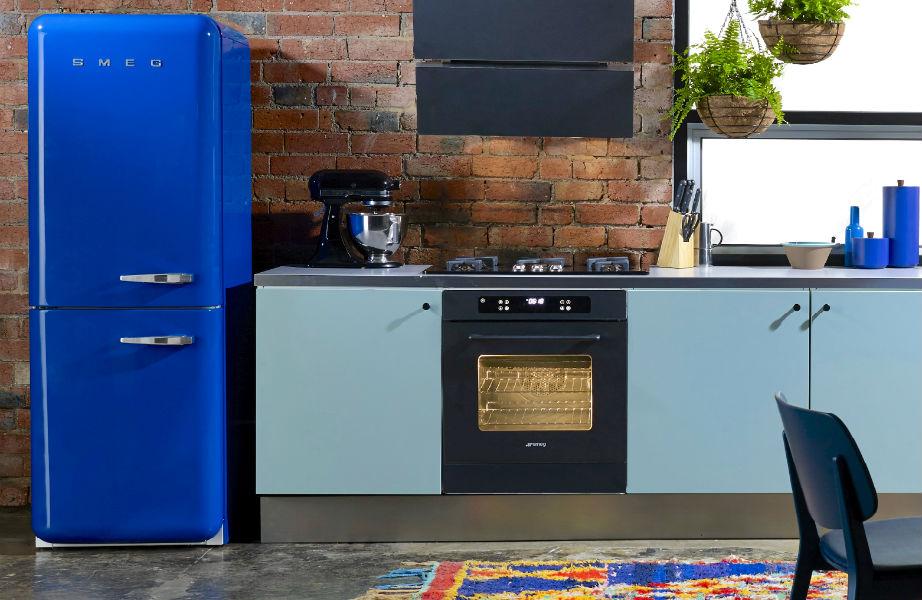 Το χρώμα στις ηλεκτρικές συσκευές είναι must σε κάθε μοντέρνα κουζίνα.