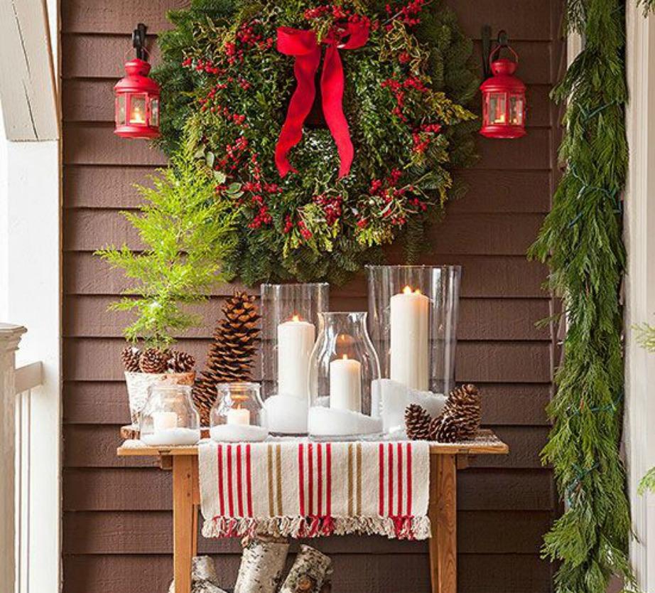 Διακοσμήστε το μπαλκόνι σας ώστε να το απολαμβάνετε ακόμα περισσότερο τις πιο «ζεστές» χριστουγεννιάτικες μέρες.