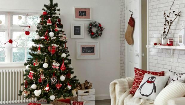 Ψεύτικο ή Αληθινό; Όλη η Αλήθεια για τα Χριστουγεννιάτικα Δέντρα!