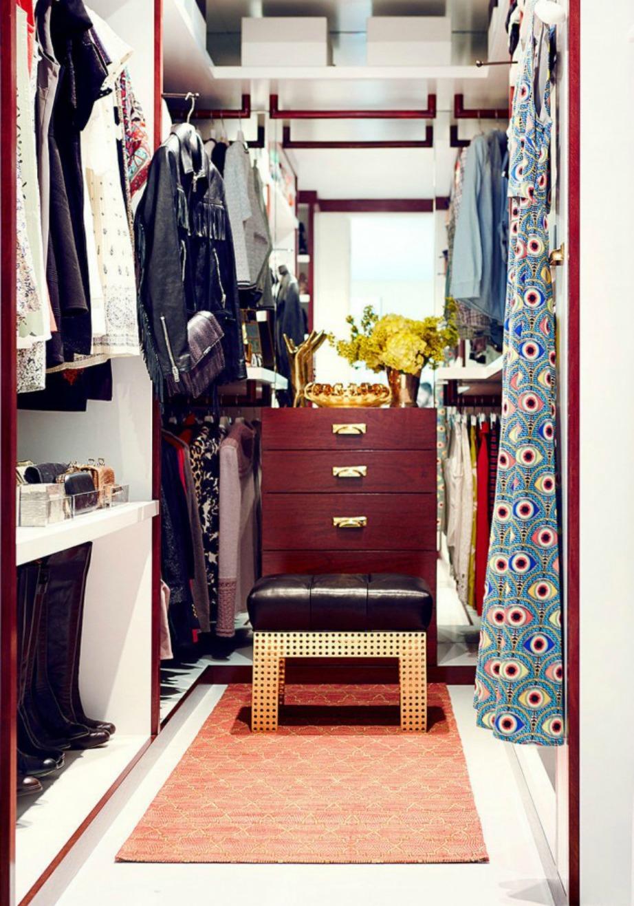 Η κομψή ντουλάπα της ηθοποιού Jamie King.