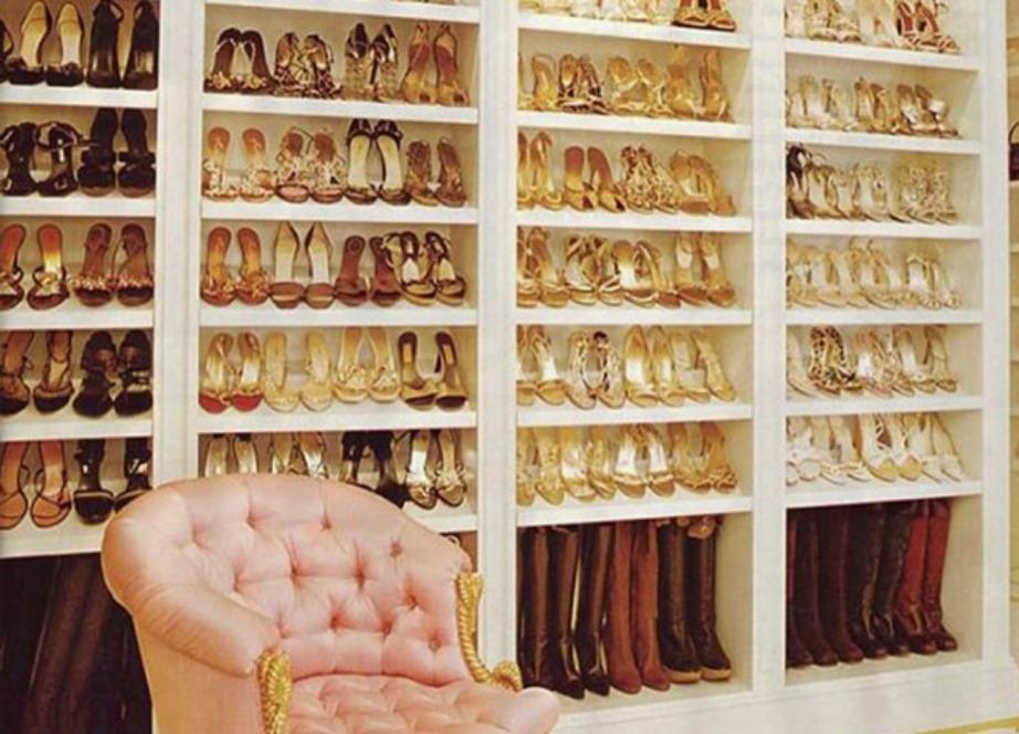Αυτά τα παπούτσια που βλέπετε είναι μόνο η χρυσή συλλογή της τραγουδίστριας.