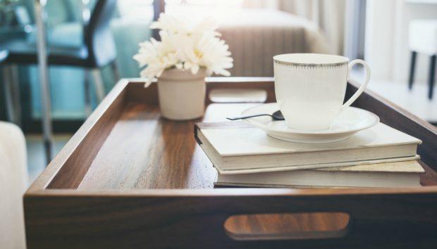 «Τι μπορώ να βάλω για coffee table σε ένα στενό σαλόνι»;