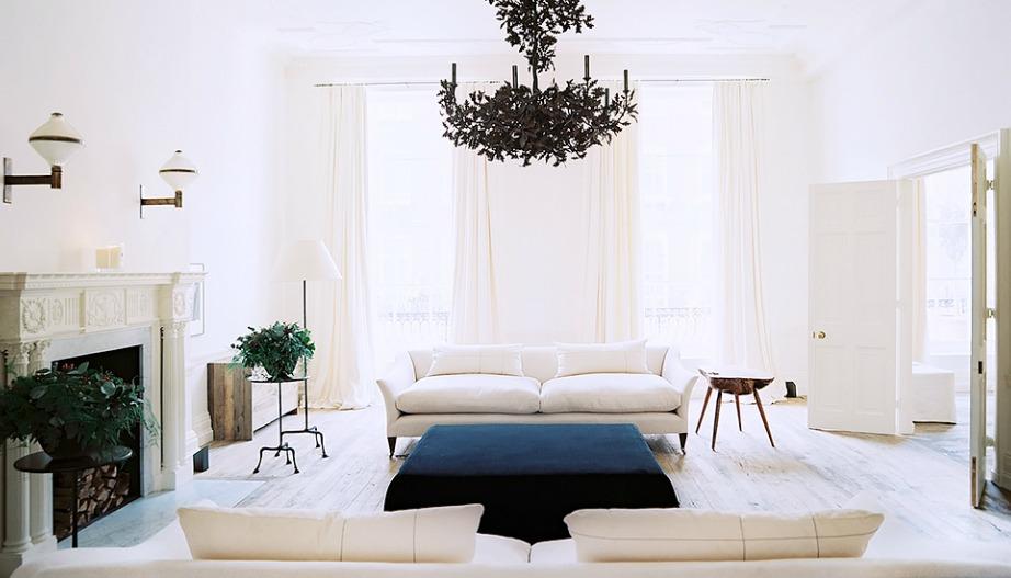 Ο άσπρος καναπές είναι το τέλειο έπιπλο για κάθε είδους διακόσμηση.