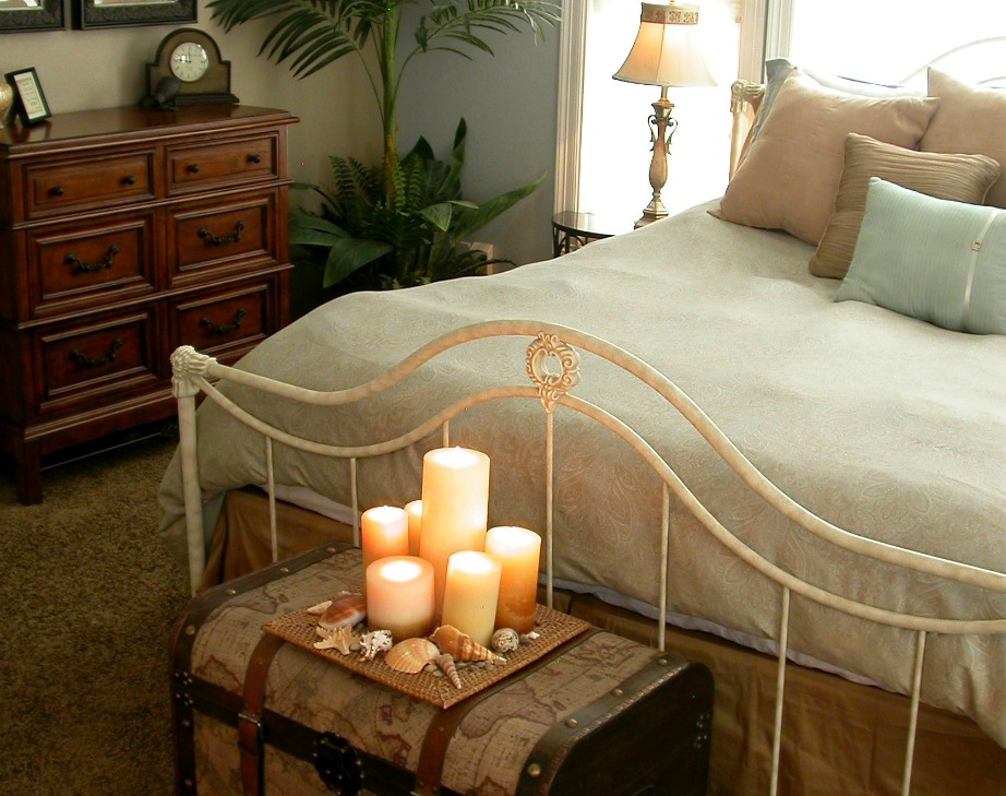 Τα κεριά προσθέτουν στιλ σε ένα δωμάτιο χωρίς να είναι ιδιαίτερα ακριβά.