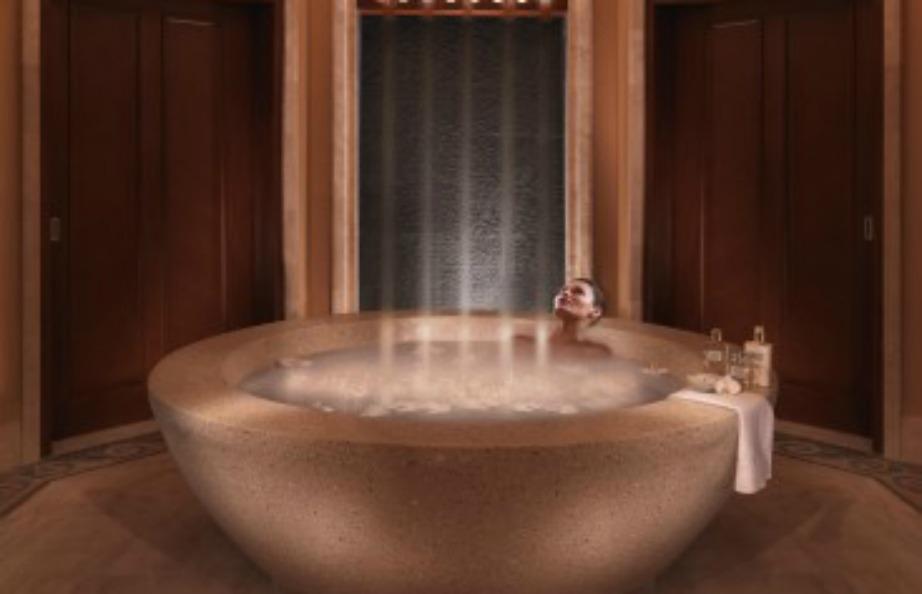 Φανταστείτε να κάνετε μπάνιο σε μια μπανιέρα και ταυτόχρονα να πέφτει νερό από το ταβάνι του μπάνιου..