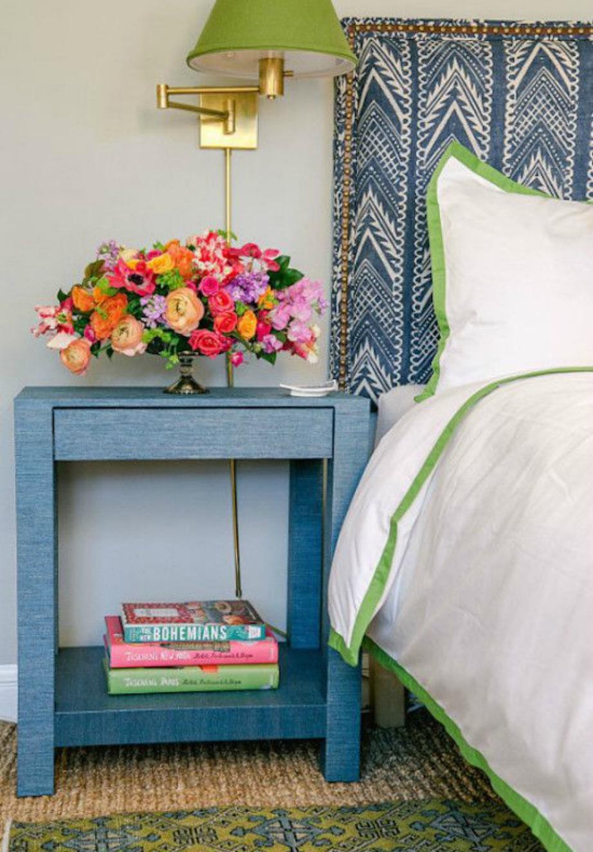 Τα λουλούδια θα προσθέσουν χρώμα και ζωντάνια στον χώρο σας. Φτιάξτε πολύχρωμες ανθοδέσμες με ολόφρεσκα λουλούδια.