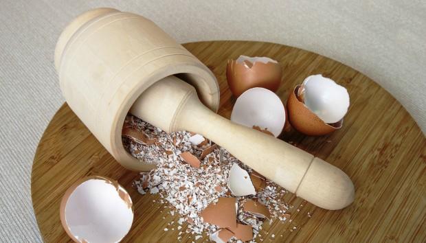 3 Απίστευτοι Τρόποι για να Χρησιμοποιήσετε τα Τσόφλια Αυγών (VIDEO)