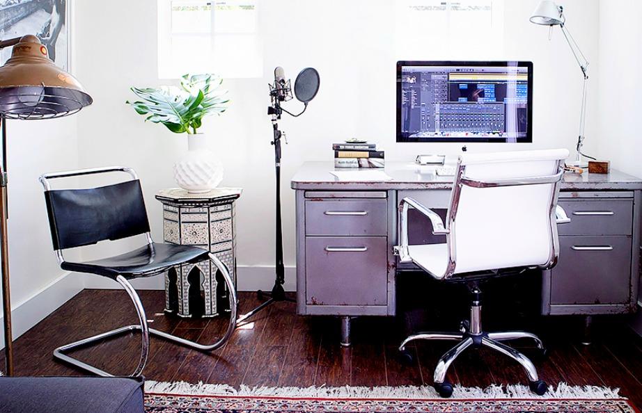 Αποφύγετε να αγοράσετε σιδερένια γραφεία και πολύ βαριά έπιπλα που δεν μεταφέρονται εύκολα