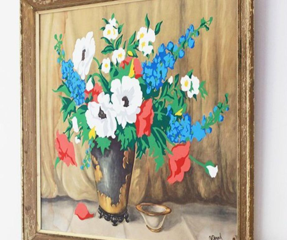 Ένας παλιός πίνακας αποκτάει ζωντάνια αν τον βάψετε από πάνω με τέμπερες