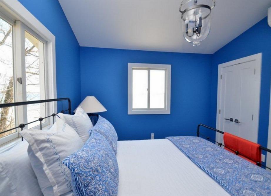 Το μπλε γενικά είναι ένα χρώμα που ταιριάζει σε υπνοδωμάτια.