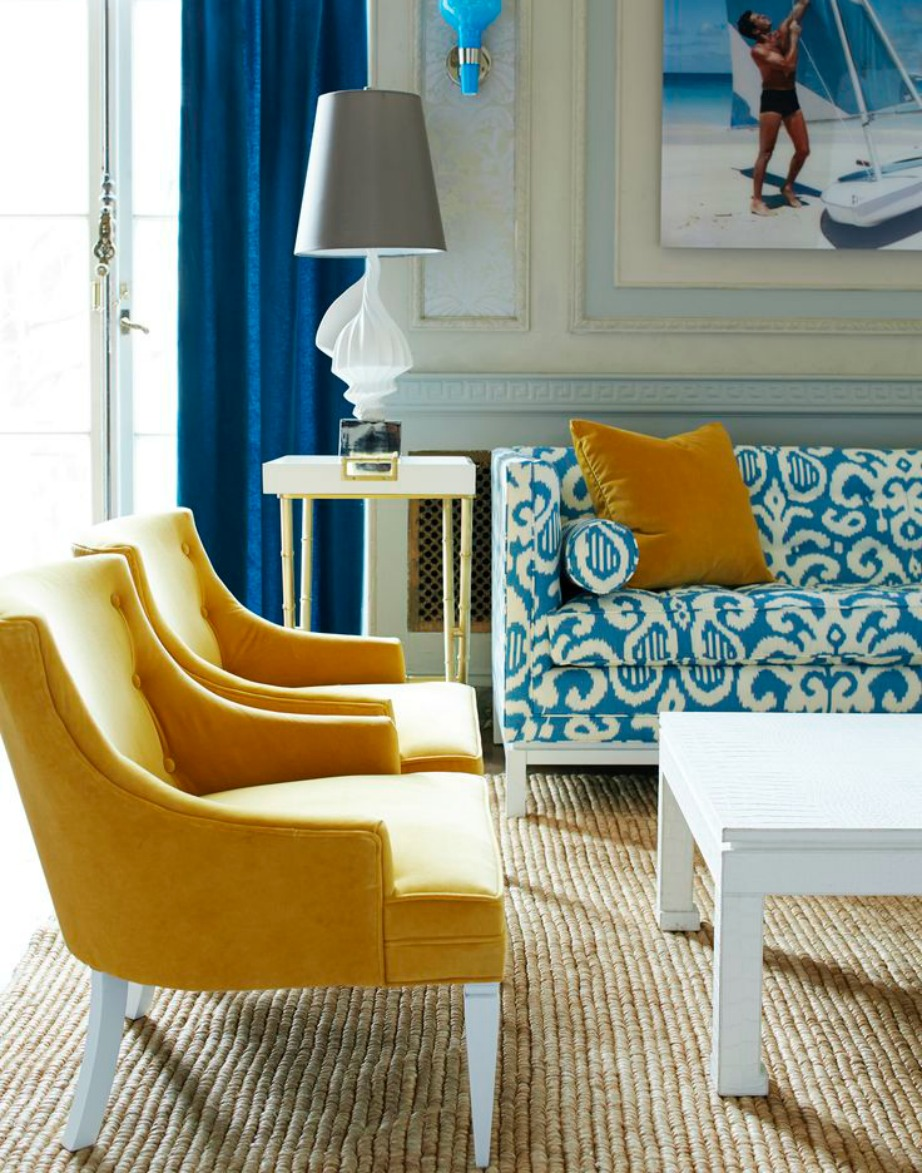 Αν επιλέξετε έντονα σχέδια στον καναπέ σας τότε προσέξτε πολύ την υπόλοιπη διακόσμηση του σαλονιού.