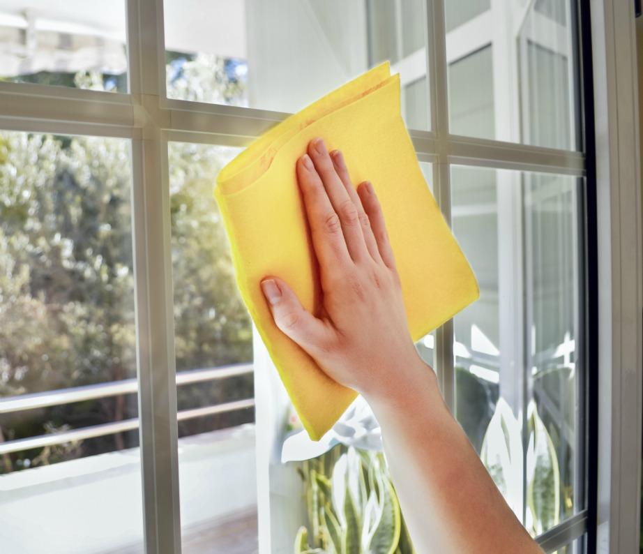 Καθαρίστε τα παράθυρα με