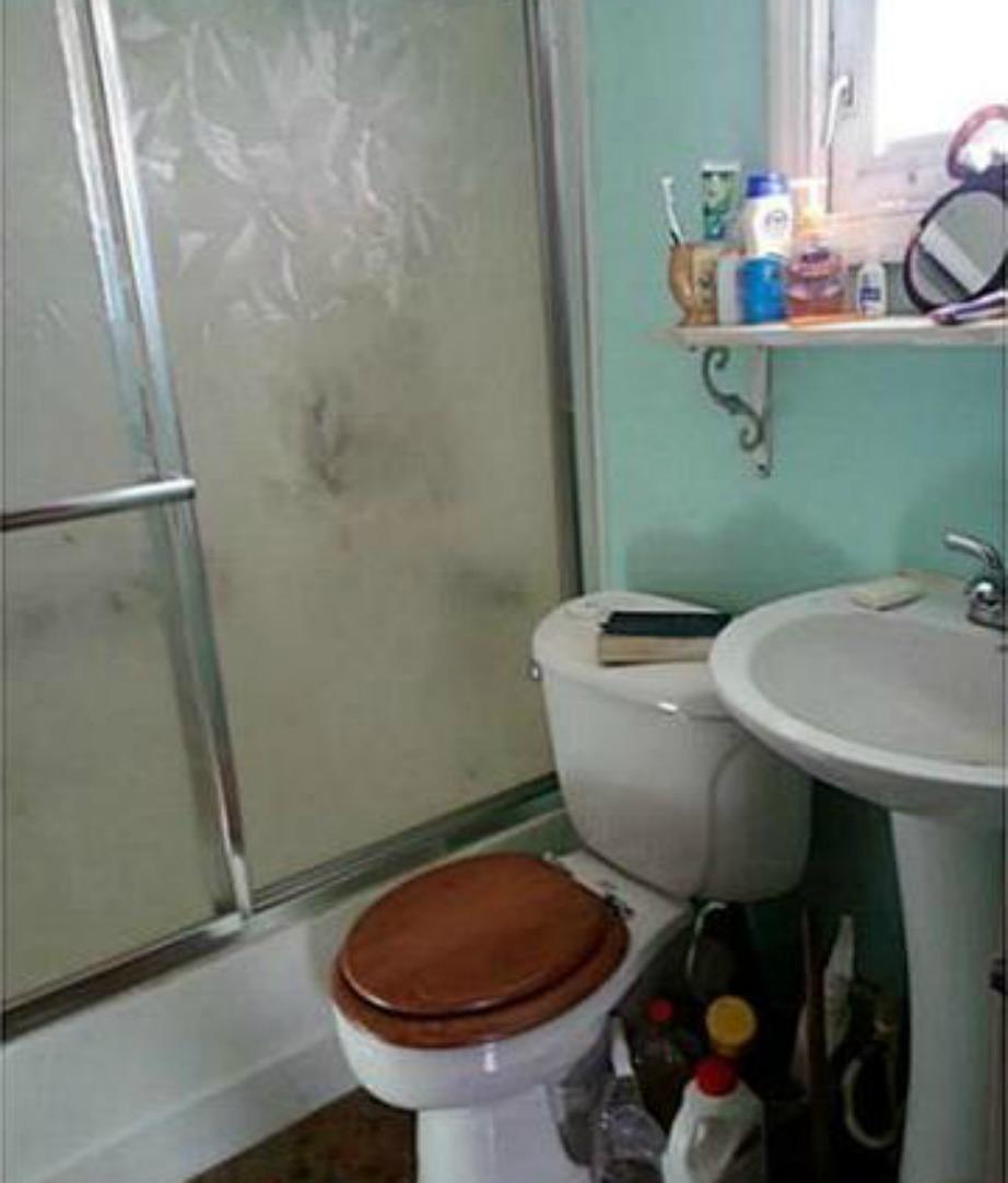 Πού ακούστηκε εν έτει 2015 το ξύλινο καπάκι στις τουαλέτες;