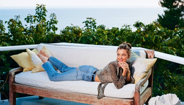 Μπήκαμε στο Υπέροχο Σπίτι της Miranda Kerr στο Malibu