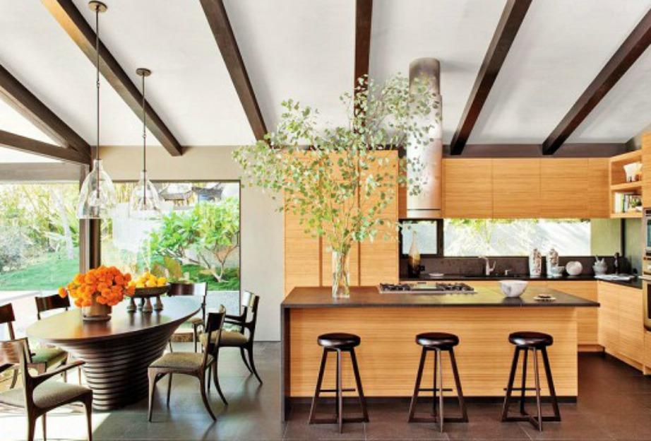 Η Chrissy Teigen μαγειρεύει στον αγαπημένο της σύζυγο, John Legend, σε αυτή την μεγάλη κουζίνα
