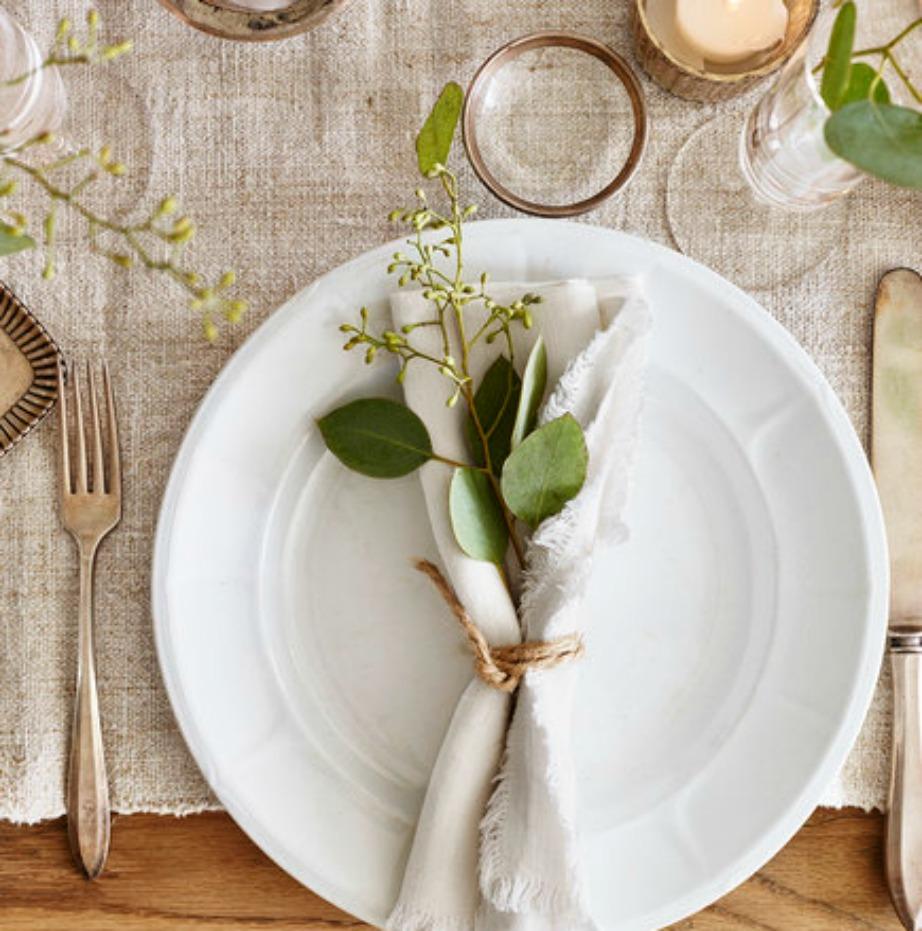 Δε΄θτε τι όμορφη δείχνει αυτή η διακόσμηση πάνω στο πιάτο. Και είναι τόσο απλή!
