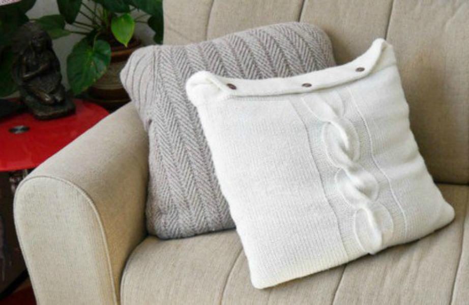 Φτιάξτε τα πιο ωραία μαξιλαράκια χρησιμοποιώντας παλιά πουλόβερ.