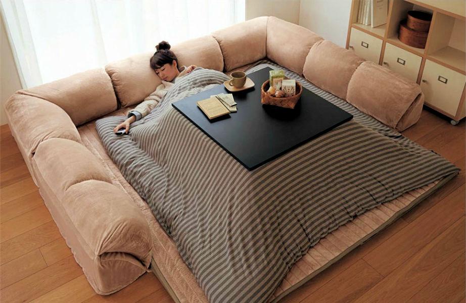 Δεν ξέρουμε για εσάς, αλλά το Kotatsu μας φαίνεται ιδανικό για... ύπνο.