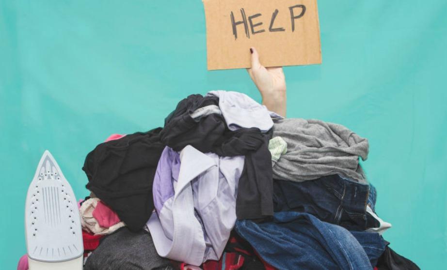 Ψεκάστε τα ρούχα σας με σπρέι νερού πριν τα απλώσετε στο σχοινί.