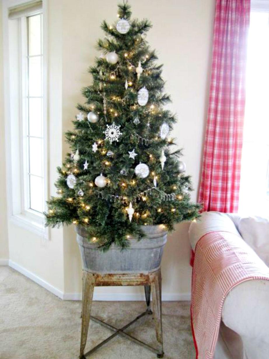 Μικρό σπίτι; Στολίστε δέντρο αφ'υψηλού!