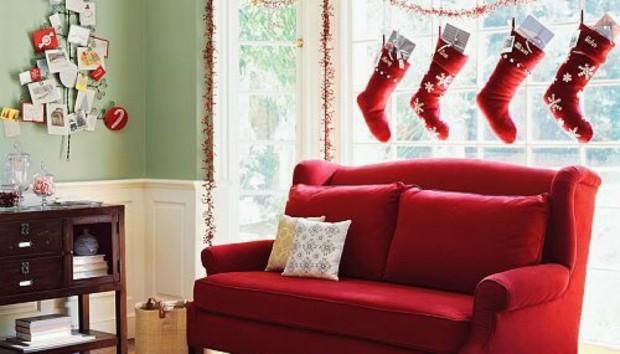 Βάλτε τα Χριστούγεννα στο Σαλόνι σας με τους πιο Οικονομικούς Τρόπους