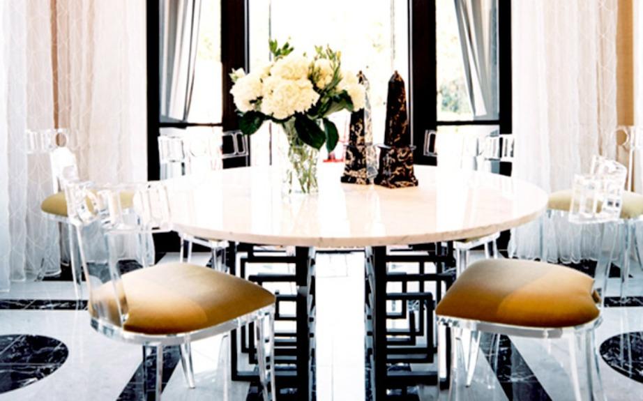 Διακοσμήστε το τραπέζι με περίτεχνα μπολ και βάζα