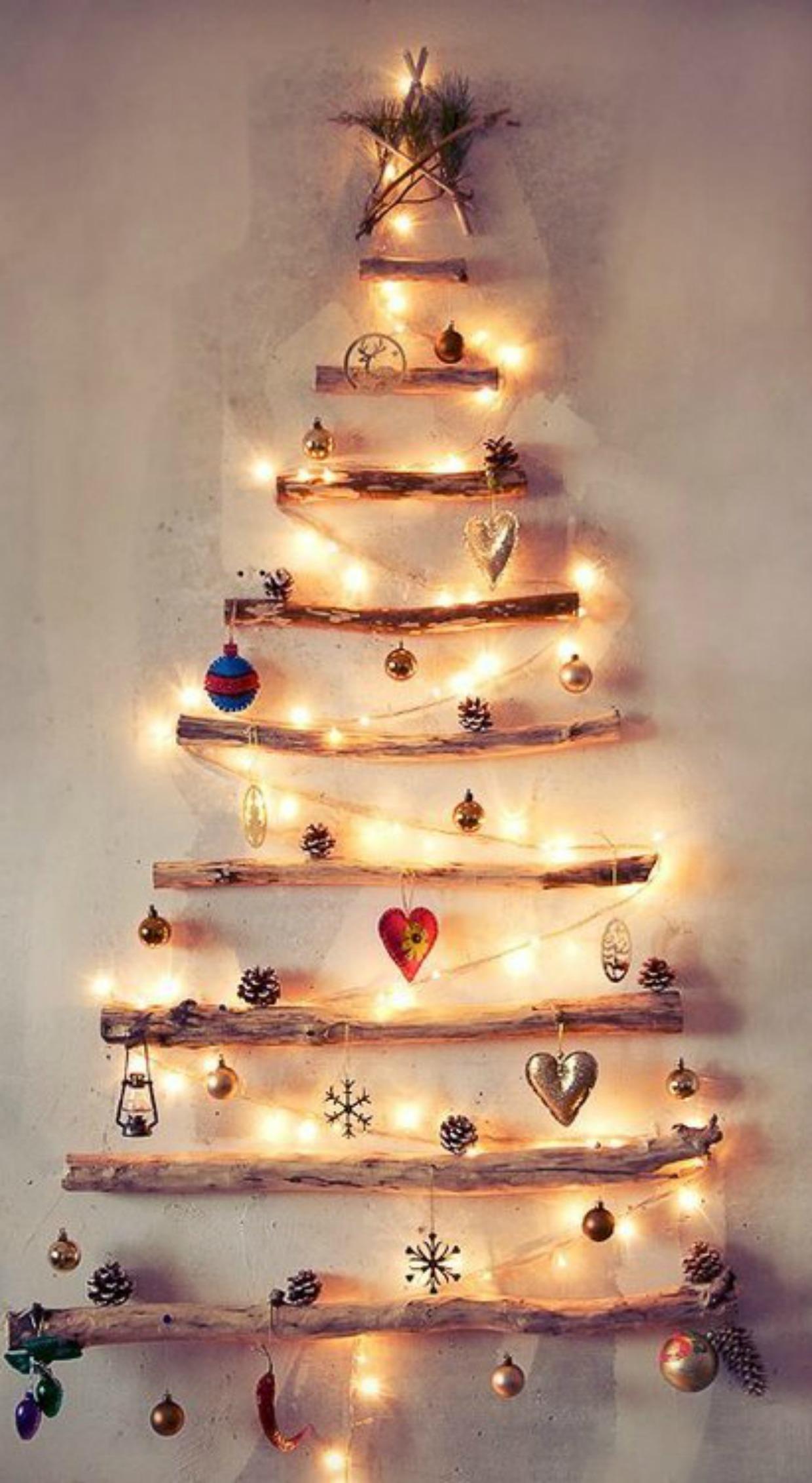 Η 2η κατασκευή! Αν επιλέξετε αυτόν τον τρόπο διακόσμησης μπορείτε να μη στολίσετε κανονικό χριστουγεννιάτικο δέντρο!
