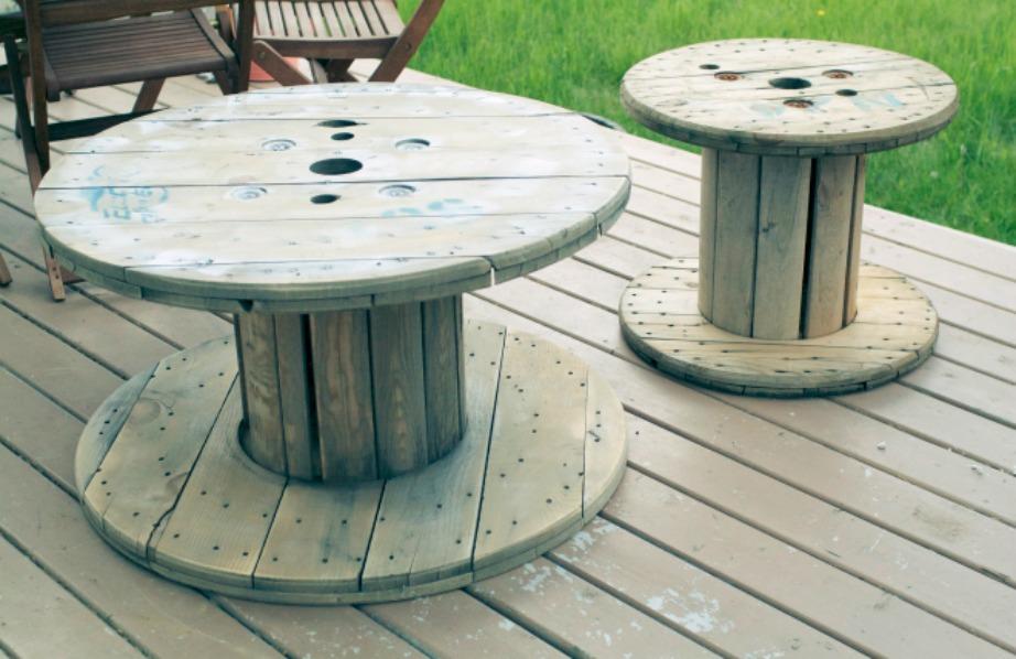 Μαλακώστε την επιφάνεια του ξύλου με γυαλόχαρτο.