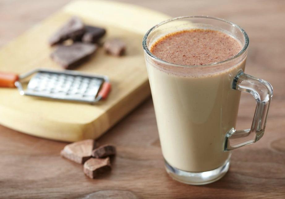 Η ζεστή σοκολάτα είναι ιδανικό ρόφημα για βροχερές μέρες.