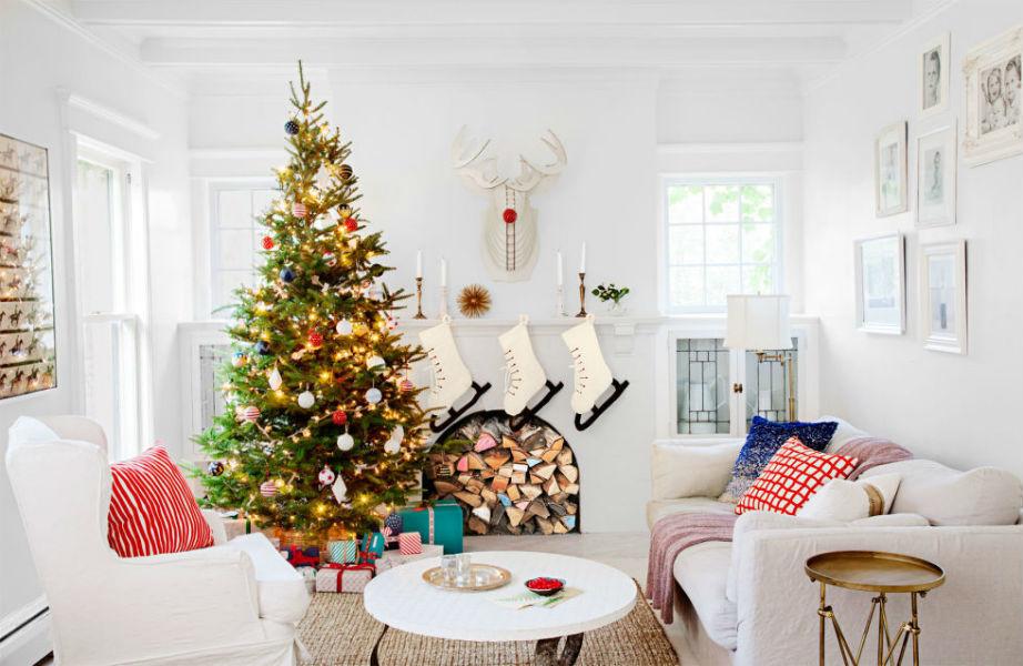 Αν το δέντρο σας κουβαλάει πάνω του ζωγραφιές των παιδιών σας, κάρτες και παλιά οικογενειακά κειμήλια, είστε μάλλον συναισθηματικός τύπος.