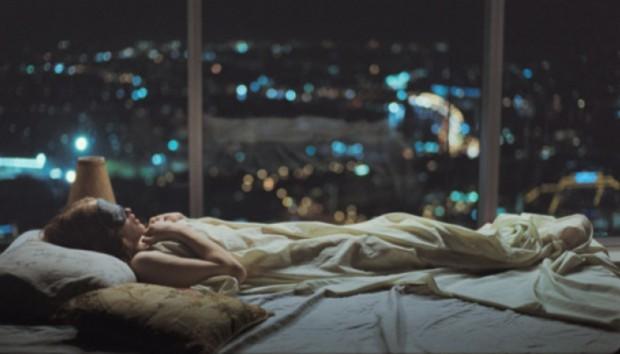 Κοιμάστε αλλά δεν Ονειρεύεστε; Δείτε πώς θα Κάνετε τα Όνειρα να Επιστρέψουν στη Ζωή σας