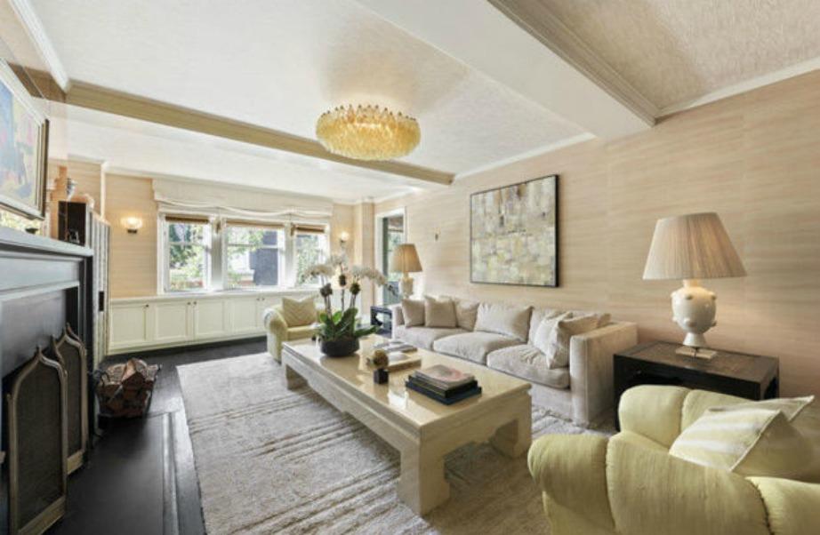 Το εντυπωσιακό σαλόνι του σπιτιού!