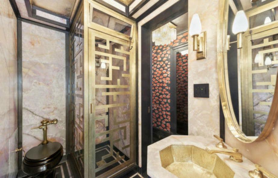 Αυτό είναι το μπάνιο για τους καλεσμένους της διάσημης ηθοποιού.