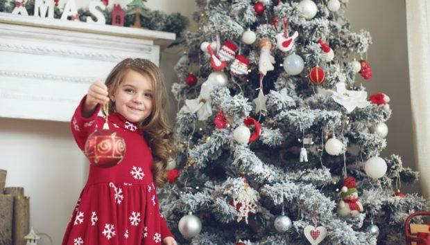 Το Χριστουγεννιάτικο Δέντρο που Πρέπει να Στολίσετε Βάση Ζωδίου