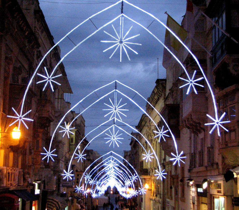 Πέρα από την φαντασμαγορική φάτνη, η Μάλτα προσφέρει μια σούπερ εντυπωσιακή αγορά για χριστουγεννιάτικα ψώνια!