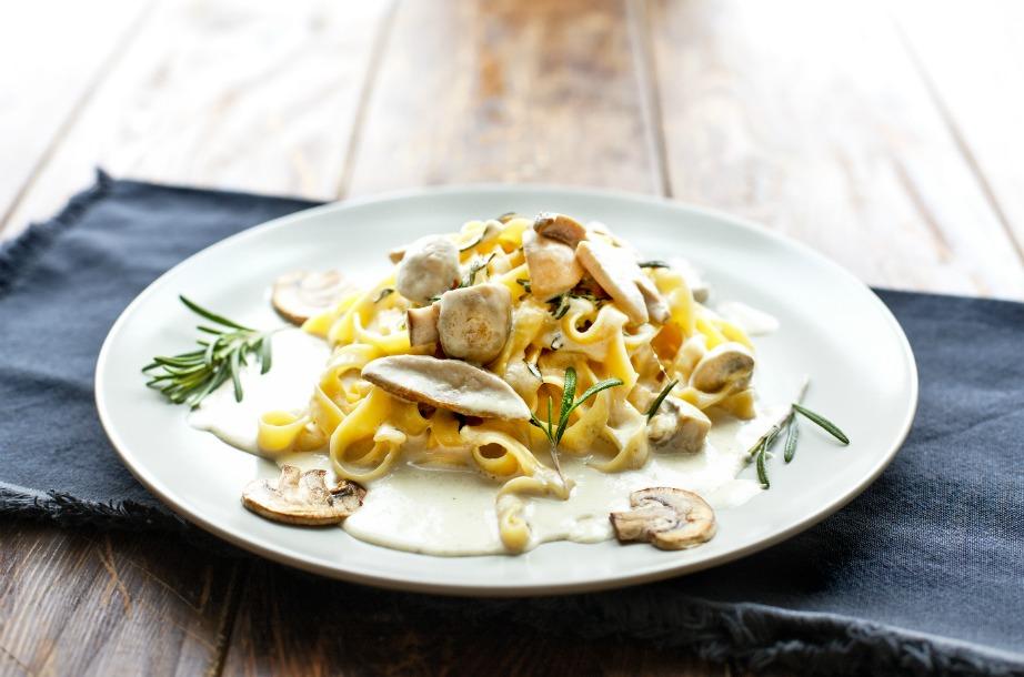 Θα απολαμβάνετε πολύ καλύτερα το φαγητό σας αν το τρώτε σε όμορφα στιλάτα πιάτα.