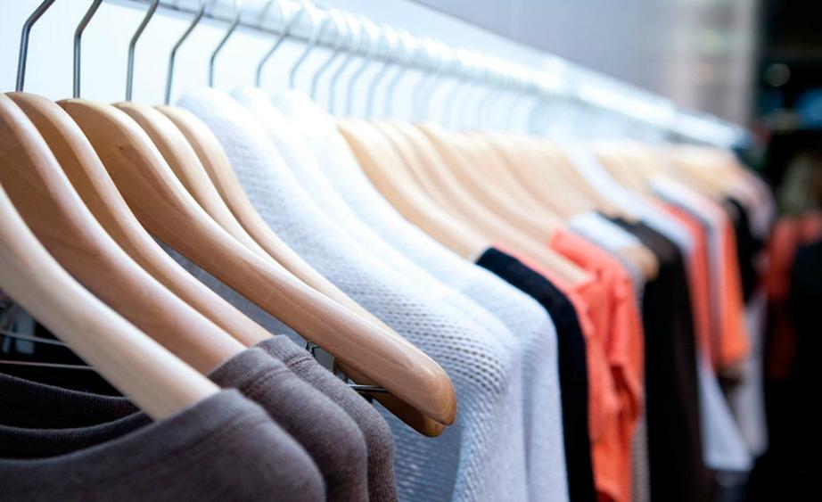 Με τα τιπς που θα δείτε θα γλυτώσετε αρκετά χρήματα πλένοντας μόνοι σας ρούχα που μέχρι πρόσφατα δίνατε στο καθαριστήριο.