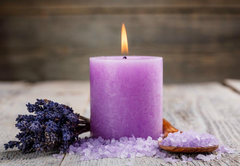Πρτιμήστε αρωματικά κεριά που φτιάχνονται από φυσικά υλικά.
