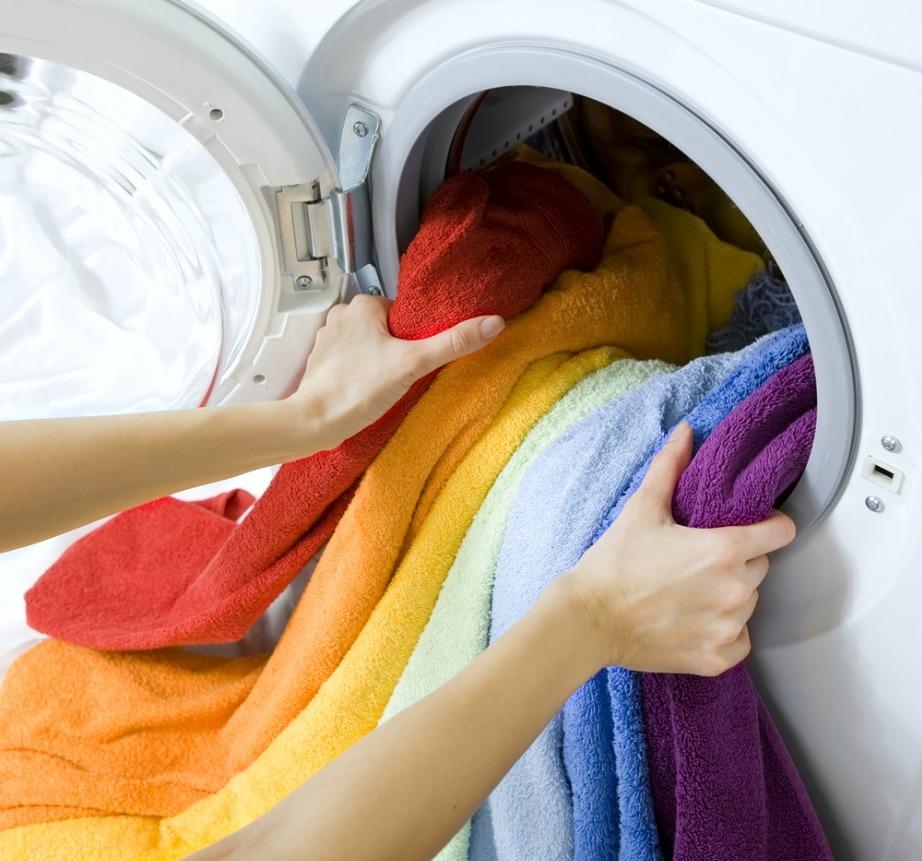 Βγάλτε τα ρούχα έγκαιρα από το πλυντήριο για να μην φύγει η μυρωδιά του μαλακτικού.