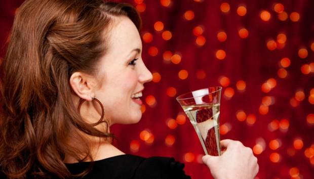 Οδηγός Επιβίωσης για τις Γιορτές: Πόσες Θερμίδες... Πίνεις;