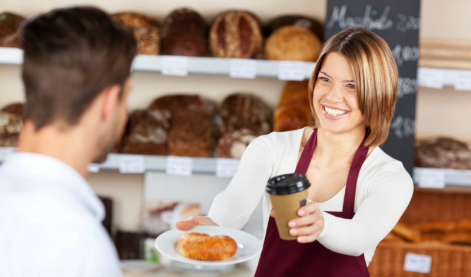 Οι σερβιτόρες θα ειναι πάντα καλύτερες στη δουλειά τους από ότι οι σερβιτόροι γιατί πολύ απλά είναι γυναίκες και άρα έχουν όλους τους άνδρες με το μέρος τους. Επιπλέον οι άνδρες σερβιτόροι αν δείξουν παραπάνω οικειότητα με πελάτη μπορεί να παρεξηγηθούν.