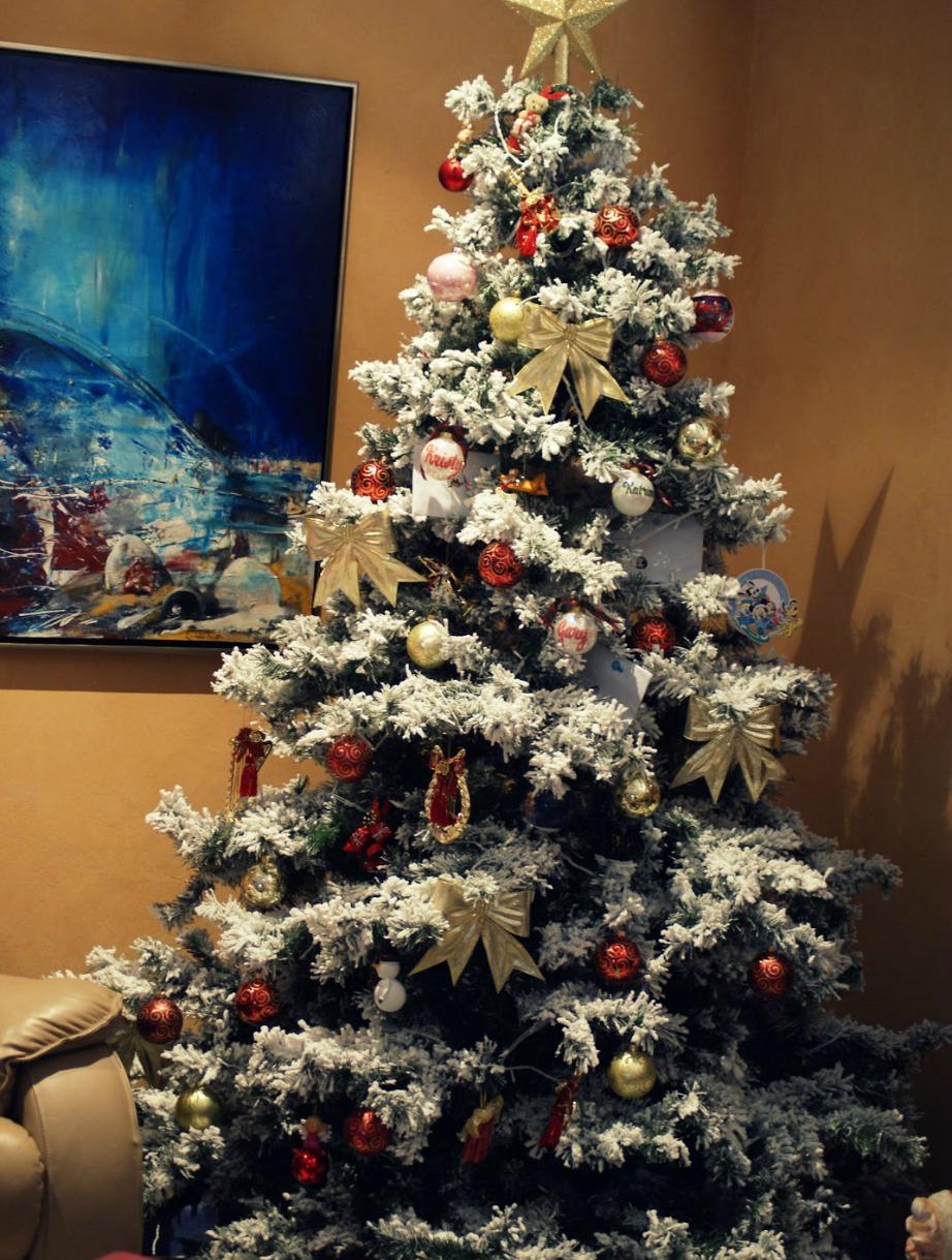 Με το χιόνι από χαρτί μπορείτε να στολίσετε και το δέντρο σας.