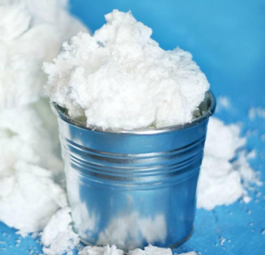 Αν χρησιμοποιήσετε μόνο μαγειρική σόδα και νερό, το χιόνι σας θα αποκτήσει αυτή τη μορφή.