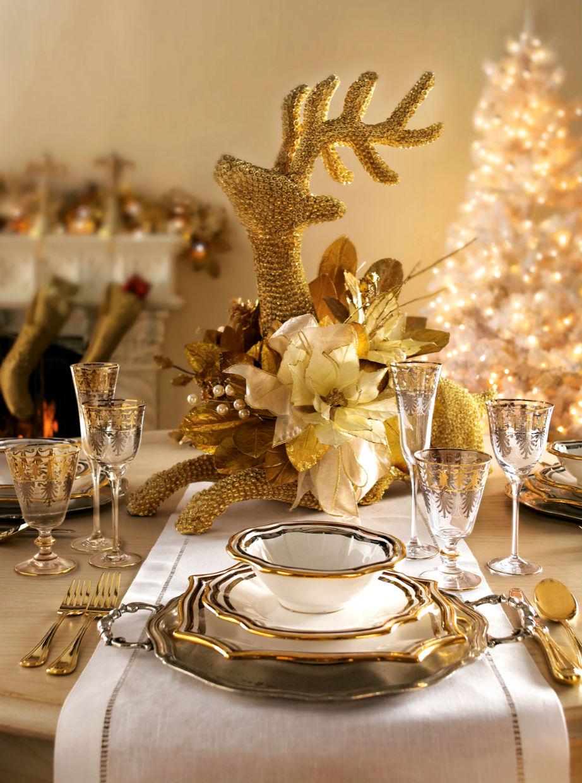 Μην ξεχάσετε να κοιτάξετε το εορταστικό τραπέζι σας από μακριά για να δείτε αν είναι πράγματι ισορροπημένο και κομψό!
