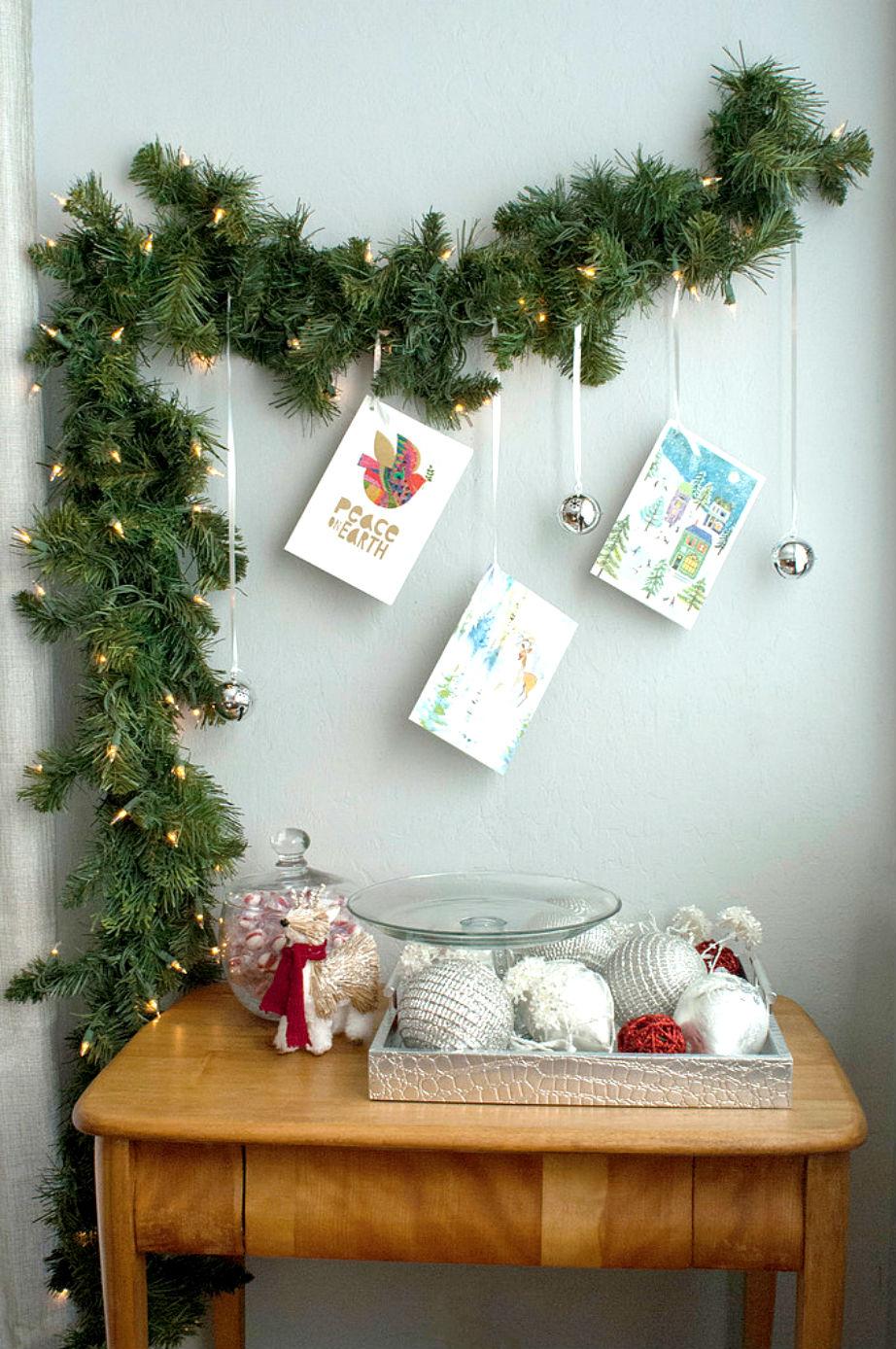 Παλιές κάρτες και μπάλες. Με άλλα λόγια εύκολα, οικονομικά και γρήγορα... Χριστούγεννα!