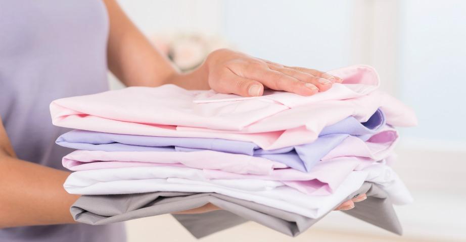 Αν σας πέσει κάτι πάνω στο καινούριο ρούχο και θέλετε να το αφαιρέσετε με κάποιον διαλύτη, δοκιμάστε πρώτα μήπως το ρούχο σας ξεβάφει.