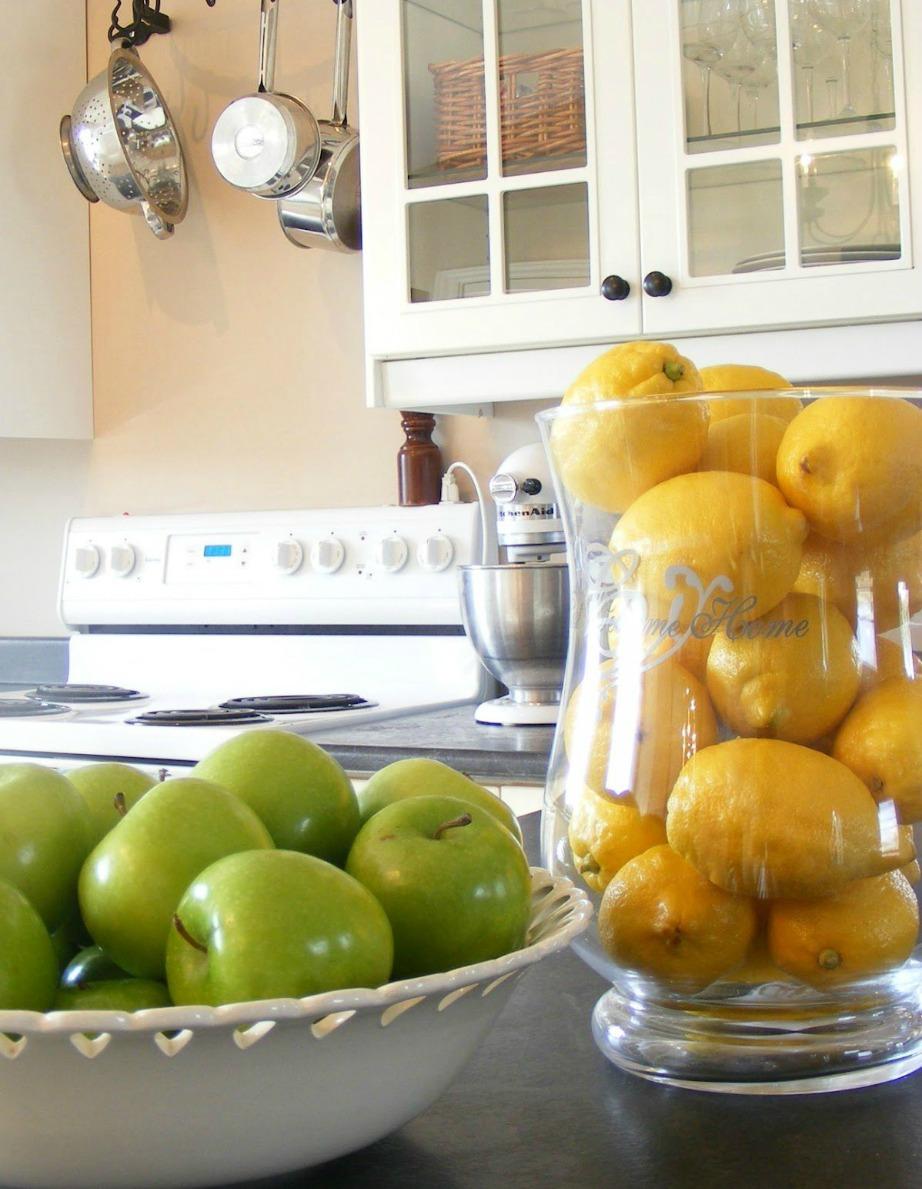 Τα φρούτα στη κουζίνα είναι πολύ καλό φενγκ σούι. Οργανώστε τα σε ομάδες των 9.